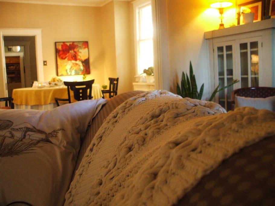 Vintage room for solo traveler!