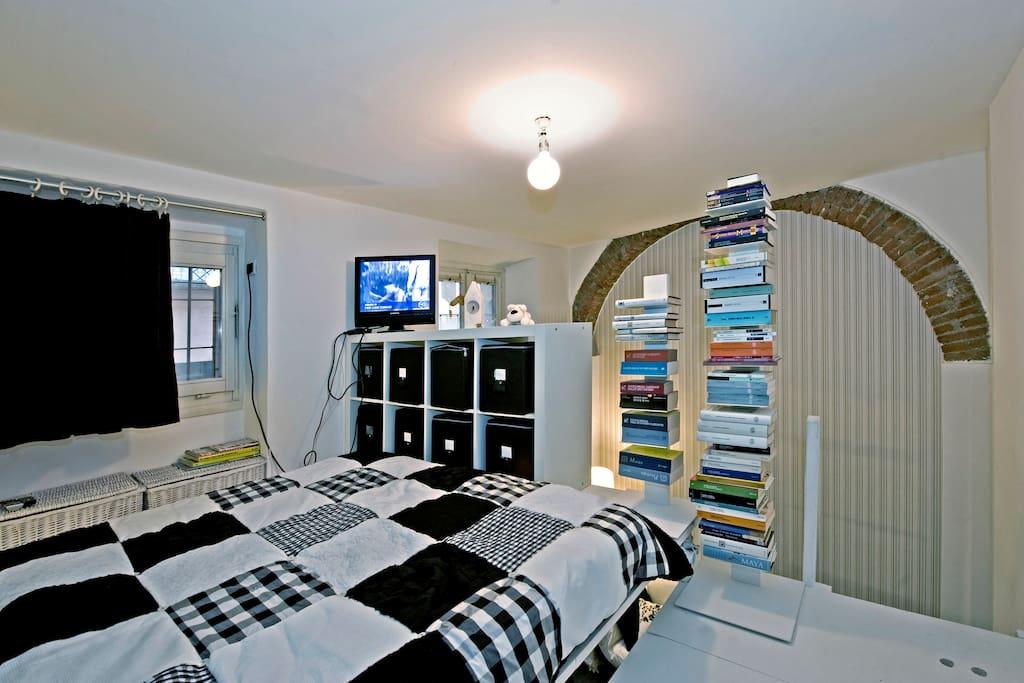 Nice room in Sant'Ambrogio - centro