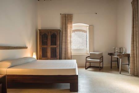 Tara Verde Old Villa Gandar Room - Villa
