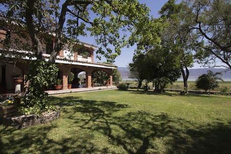 Casa estilo mexicano con vista al lago de Chapala - Jocotepec - Haus