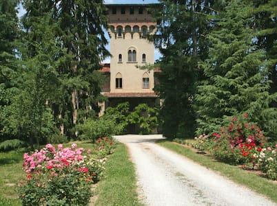 Stupenda suite del Relais Monastero - Millesimo