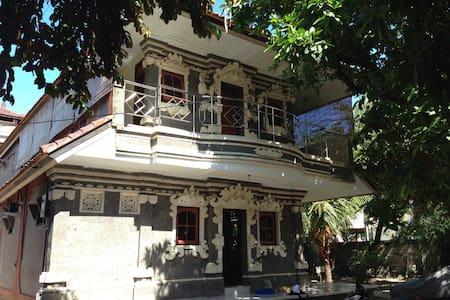 Bali style apartment ローカルの生活が体験できます