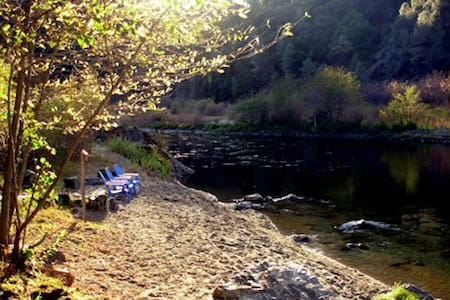 Trinity River Cabin - Pets OK - Cabin