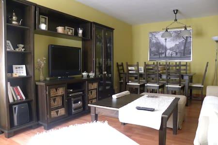 Apartamento en Ainsa 7 plazas. - Lägenhet