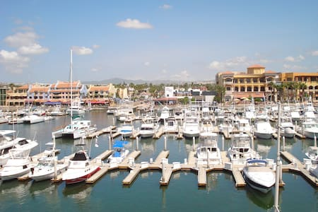 RENOVATED MARINA STUDIO FOR 2, WIFI - Cabo San Lucas - Wohnung