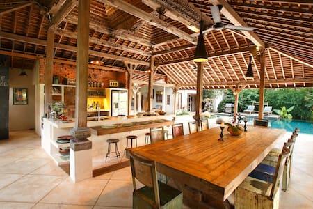 Eco-luxury, family-friendly villa - Ubud - Villa