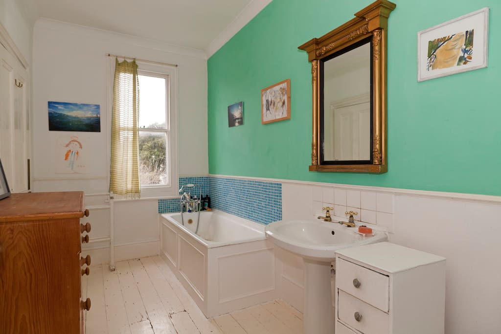 Elegance by the seaside small room