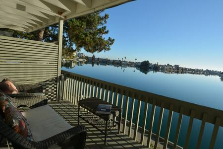 Beautiful Water Front Apartment - Foster City - Apartment