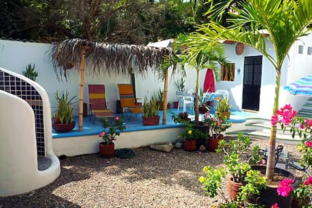 Sayulita Surf Hotel near the beach! - Hus