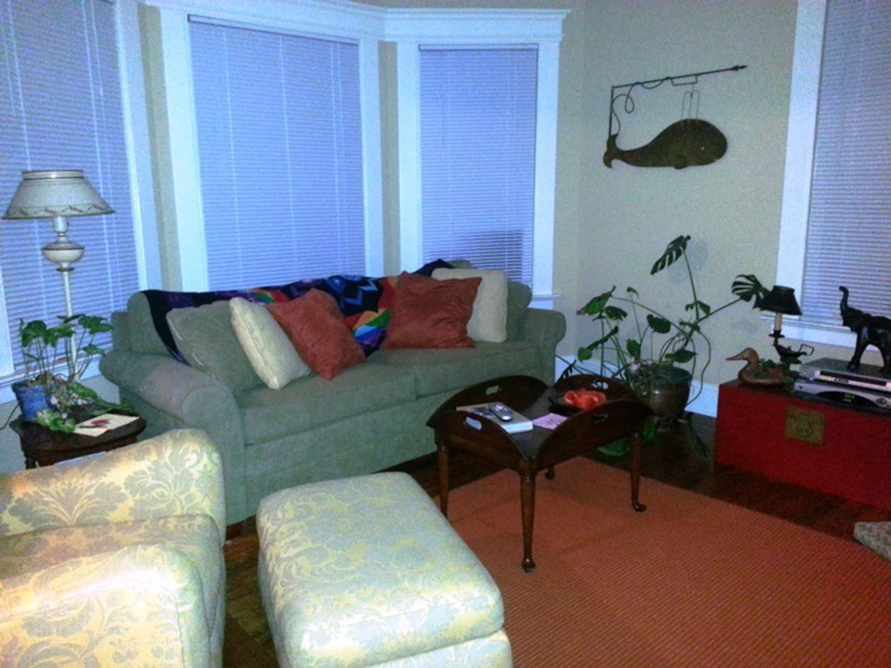 Living room - quiet and restful