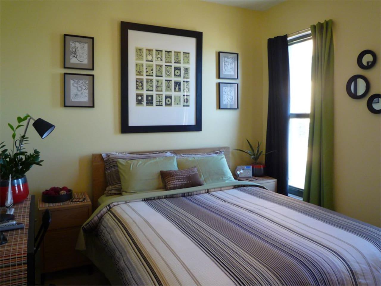 Guest Bedroom View 01