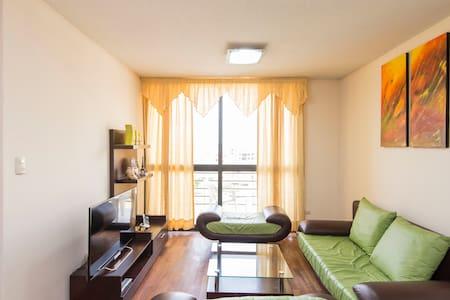 Habitacion con baño privado y tv