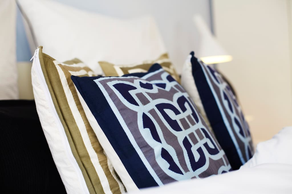 Pillow cases and duvet covers made of cotton damask.