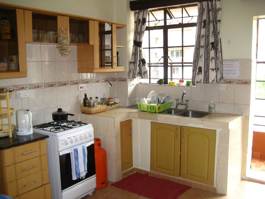 Spacious and bright, fully equipped kitchen, for your food prep pleasure!