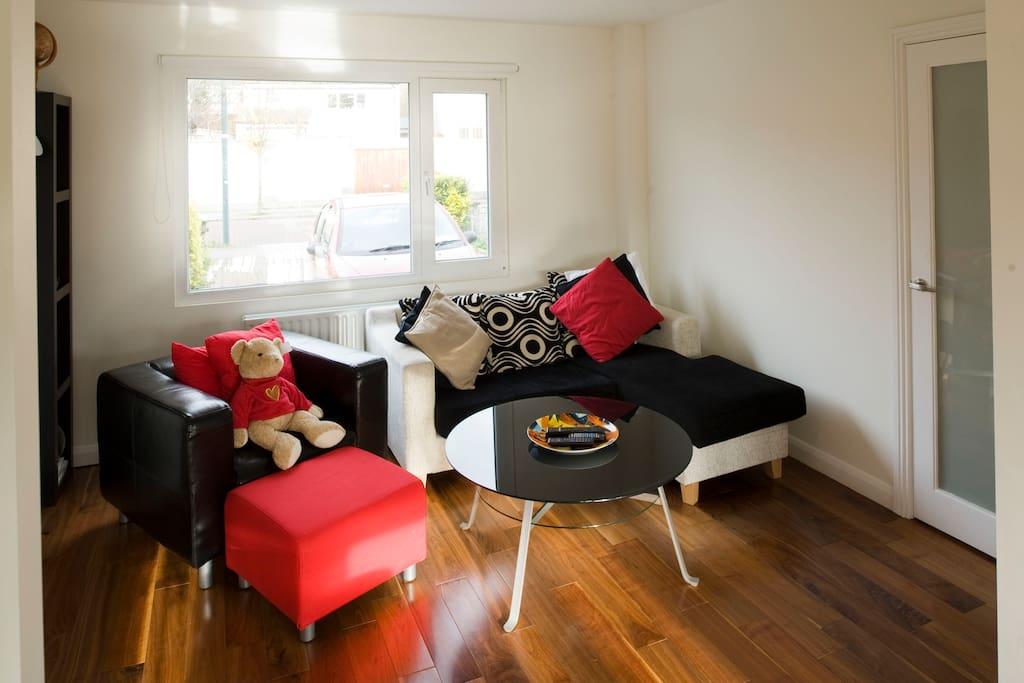 Bright & Cosy Double Room Near City