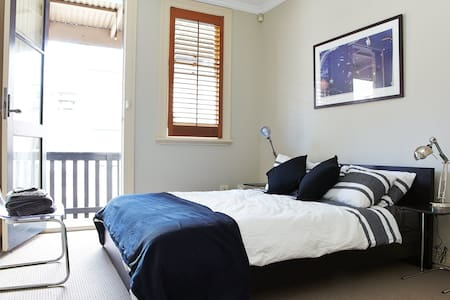 Potts Point Apartment within Apt