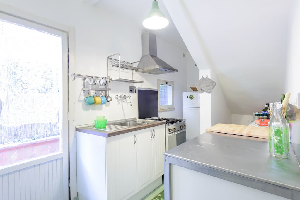 Bright fully equipped Kitchenette