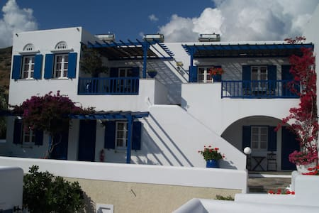 Bungalows  Galini - Kionia  Tinos - Bed & Breakfast