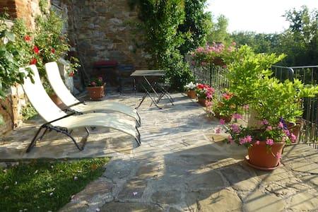 Inside Village with Pool and Views! - Piegaro - Apartemen