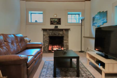 Private Charming Cottage - Prime Location - Cabane