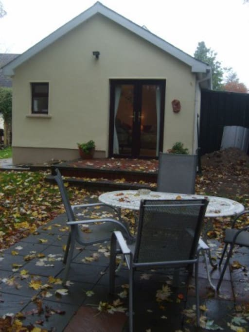 Access to a full garden with full parking, private entrance and bbqs in good weather