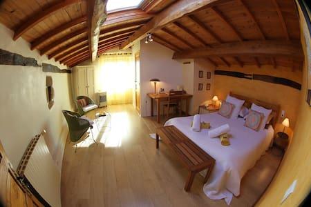 chambre d'hôtes-piscine intérieure - Bed & Breakfast
