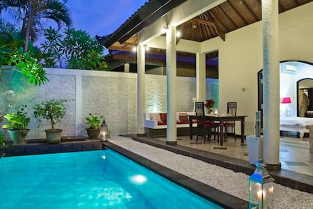 1-BEDROOM-VILLA ROMANTICA-STYLE-CENTER SEMINYAK  - Kuta - Villa