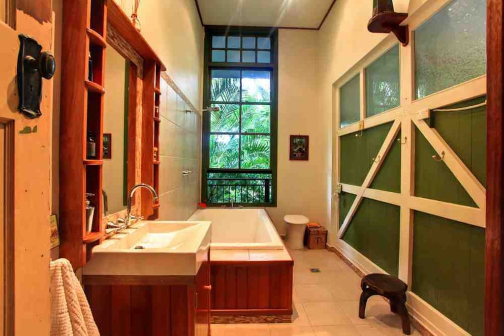 And what a bathroom it is...!