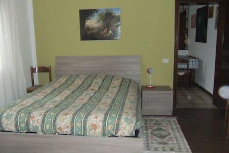 Værelsestype: Helt hjem/lejlighed Sengetype: Alm. seng Ejendomstype Lejlighed Kapacitet 2 Soveværelser 2 Badeværelser 1
