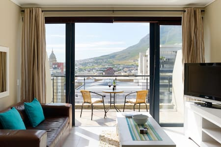 Cape Town Loft with Views