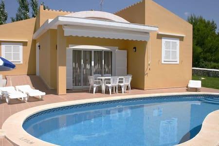 Villa Lena, Son Bou, Menorca - Casa de campo