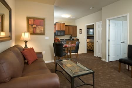 Mid-Luxury Extended Stay-2 Bedroom - Appartement