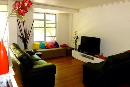 Modern Executive 2bm Apartment!