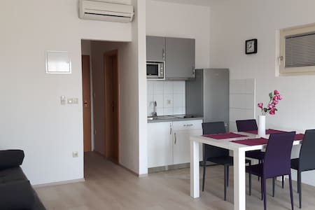 Studio 1, 250 m from beach-PARKING - Mlini - Apartment