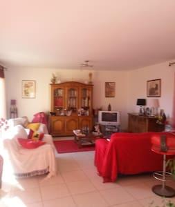 loue chambre dans une villa - Béziers