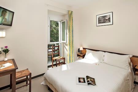 Hôtel Les  2  Rives: standard BB - Banassac - Bed & Breakfast