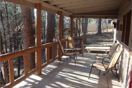 Rustic Retreat. Hot Tub, WiFi, Cable - Ruidoso