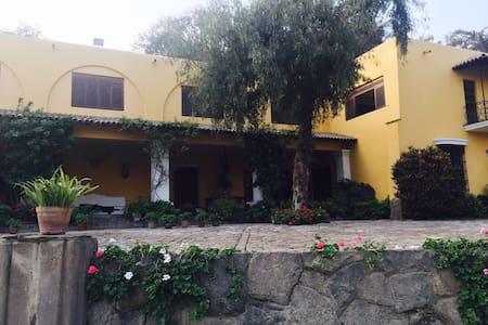 Exclusiva casa de campo en las afueras de Lima - Villa