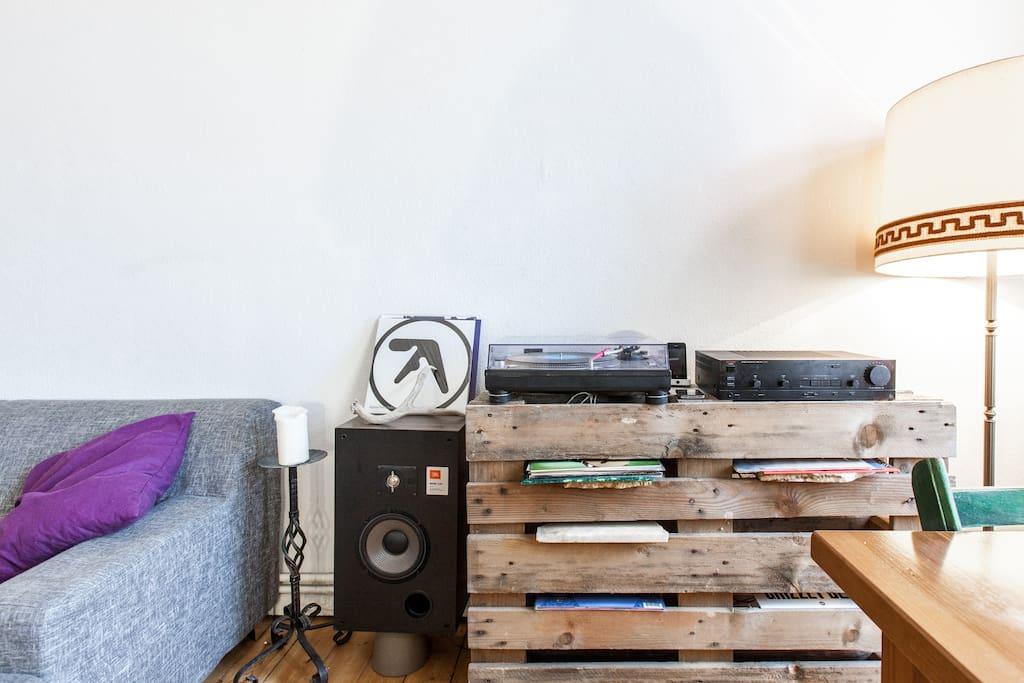 Vintage Apartment for 8 Neukolln