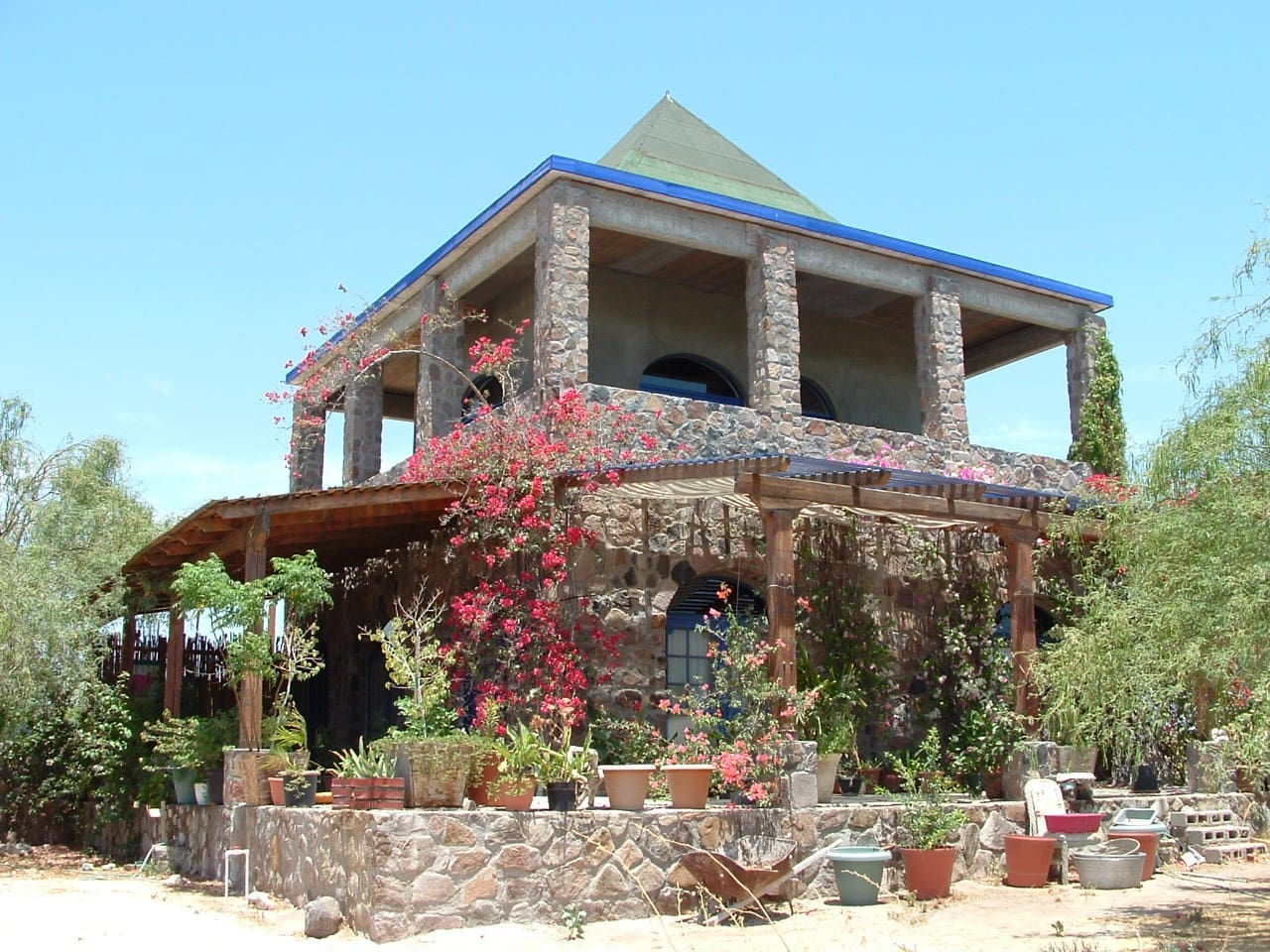 CASA DE PIEDRA - Central Baja
