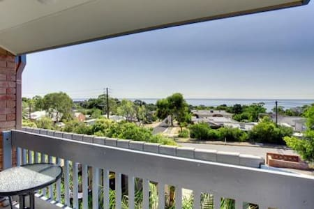 Ocean-view Townhouse - Hallett Cove