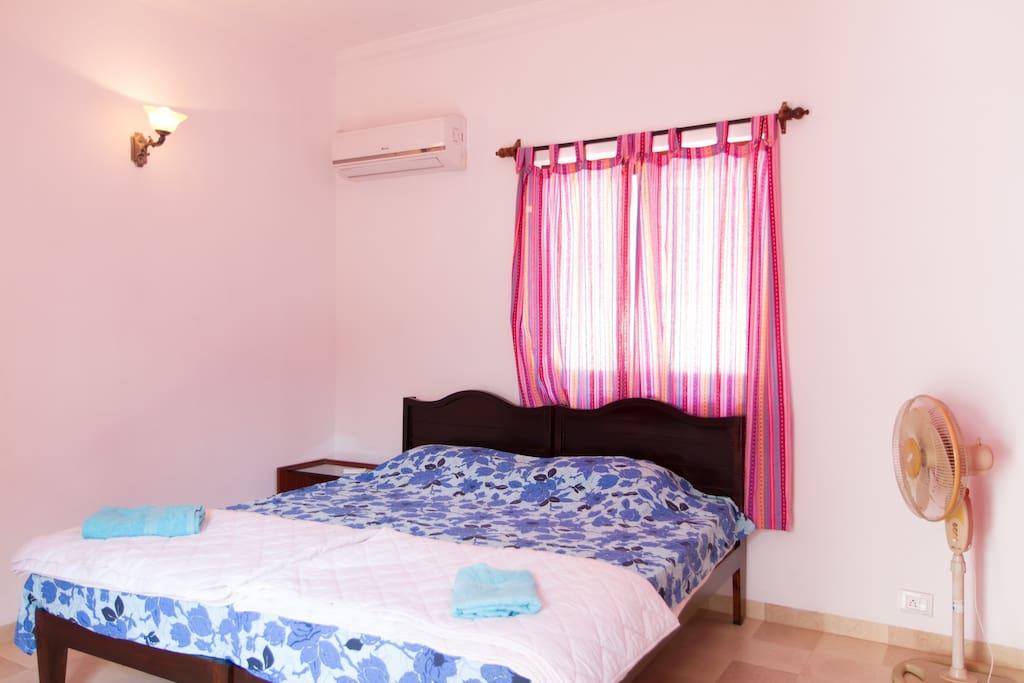 Lovely Goa Villa, Arpora sleeps 6+