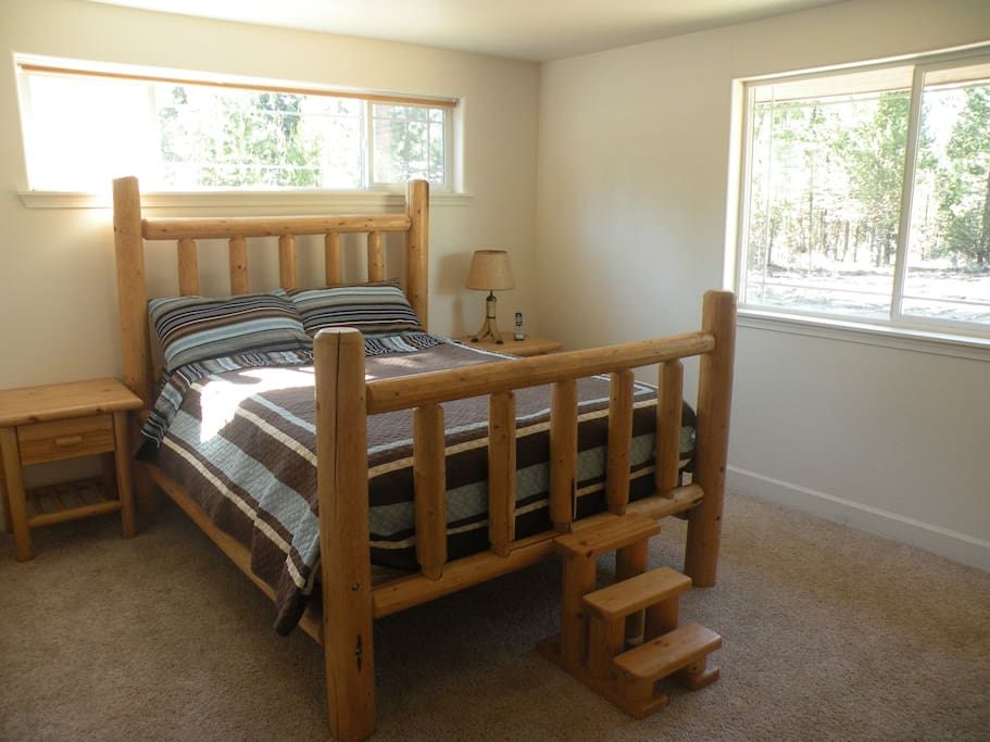 Log queen beds...Very Comfortable