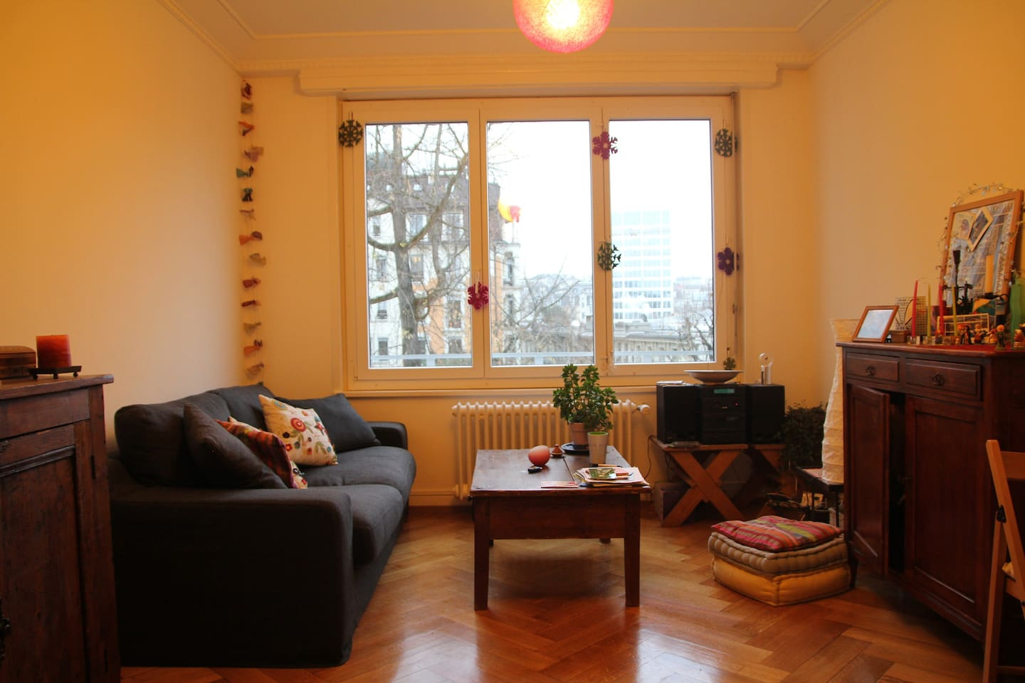Cosy flat by train station