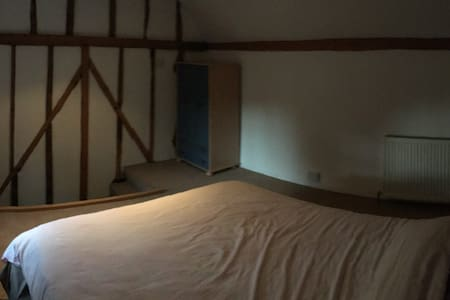 Self contained annex to Tudor house - Tonbridge - Annat