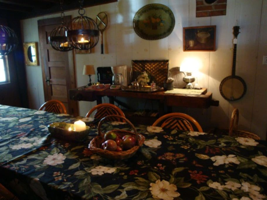 Diningroom seats 12- 16