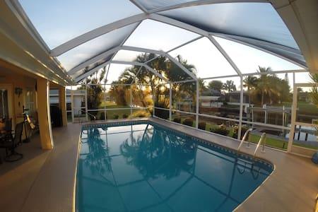 Stellar Gulf-access 4 brm Pool Home - Cape Coral - Maison