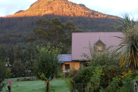 Bluff Views B&B Homestay Tasmania. - Bed & Breakfast