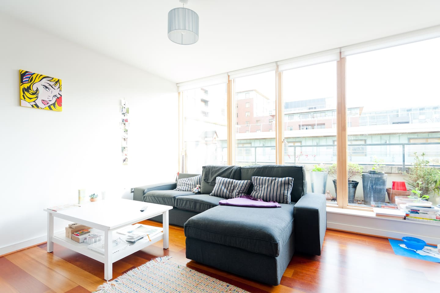 Bright and comfortable living room