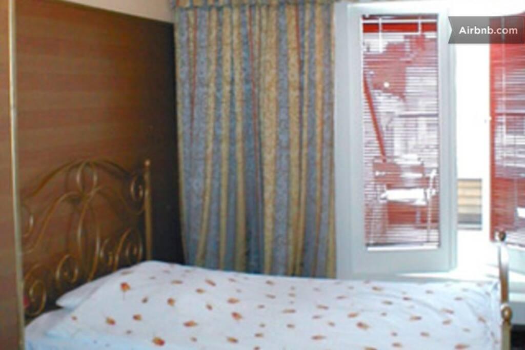Balkonzimmer mit Vollbad/WC